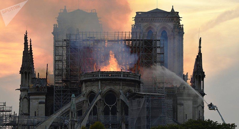 Notre Dame De Paris Les Questions Qui Se Posent Après L